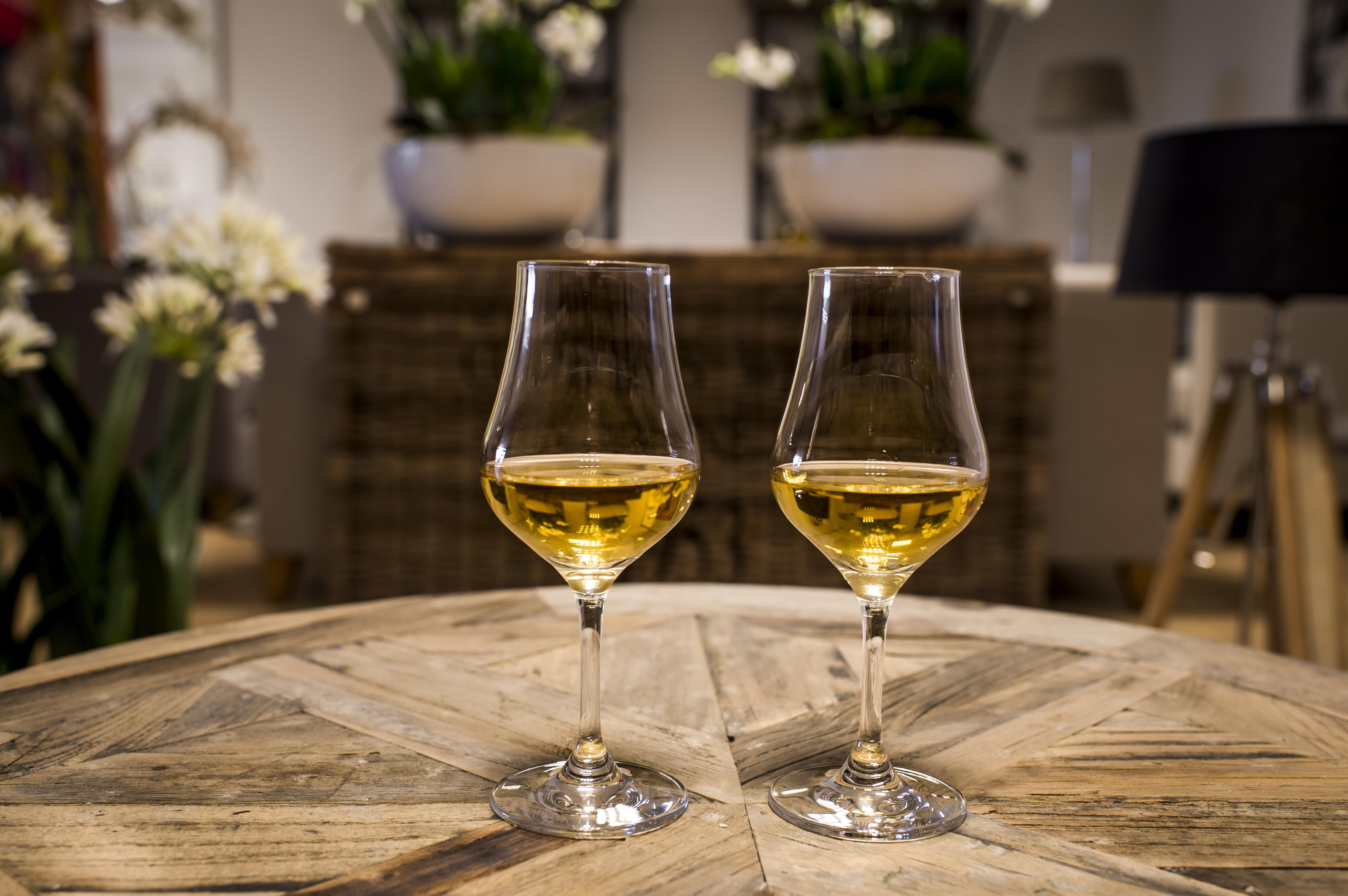 Drie keer de whisky nosing glass op een rij